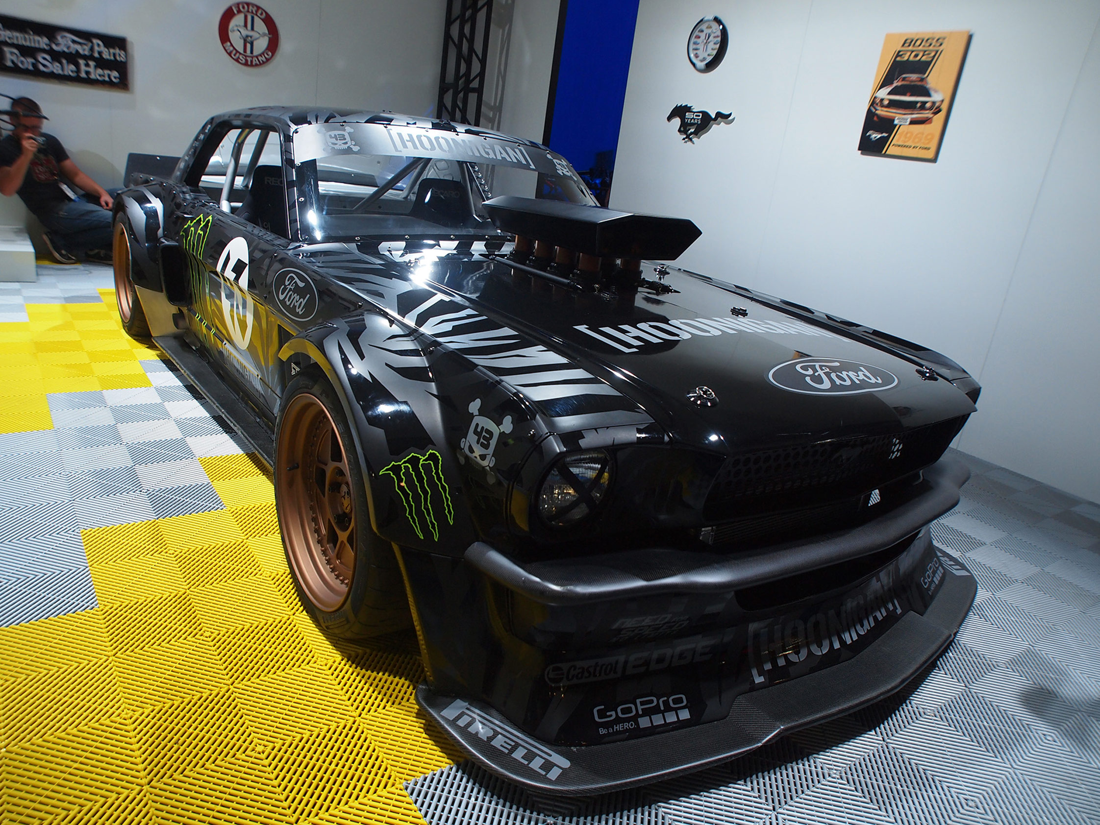 la ford mustang de ken block sema show 2014 diaporama photo. Black Bedroom Furniture Sets. Home Design Ideas