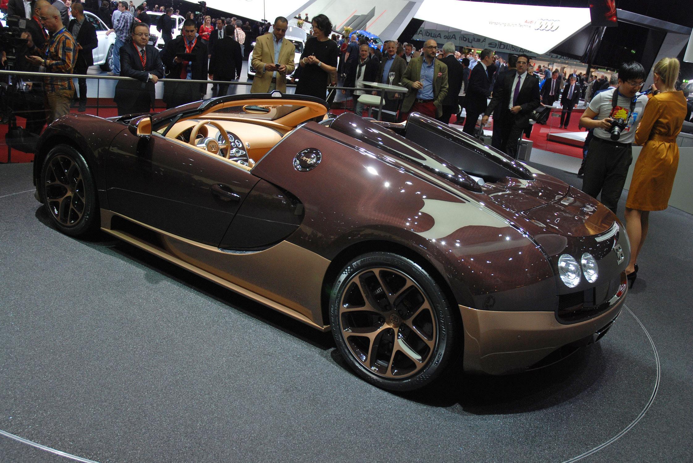 bugatti veyron 16 4 grand sport vitesse legend edition bugatti legends veyron 16 4 grand sport. Black Bedroom Furniture Sets. Home Design Ideas