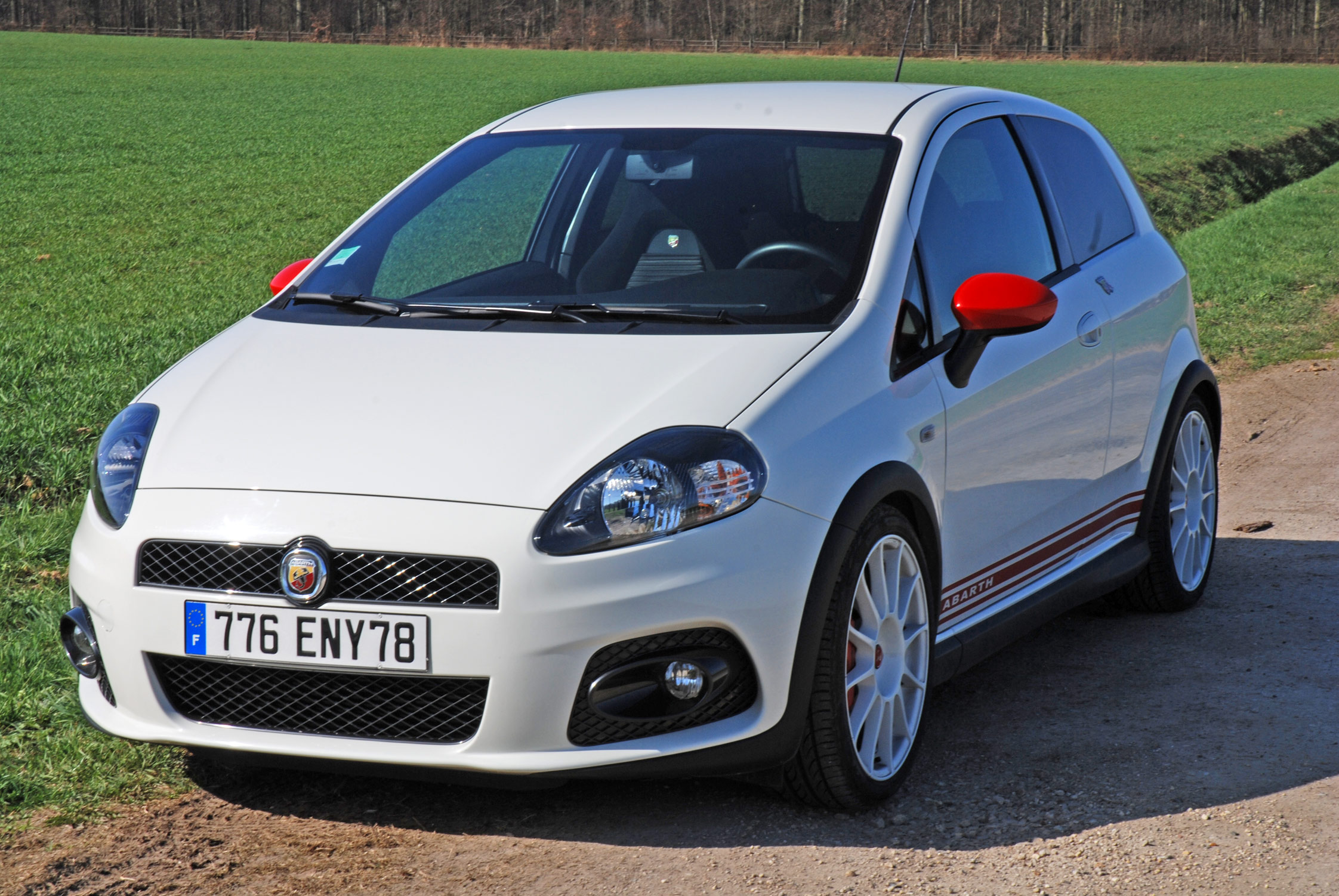 photo fiat grande punto abarth supersport coup 2009 m diatheque. Black Bedroom Furniture Sets. Home Design Ideas