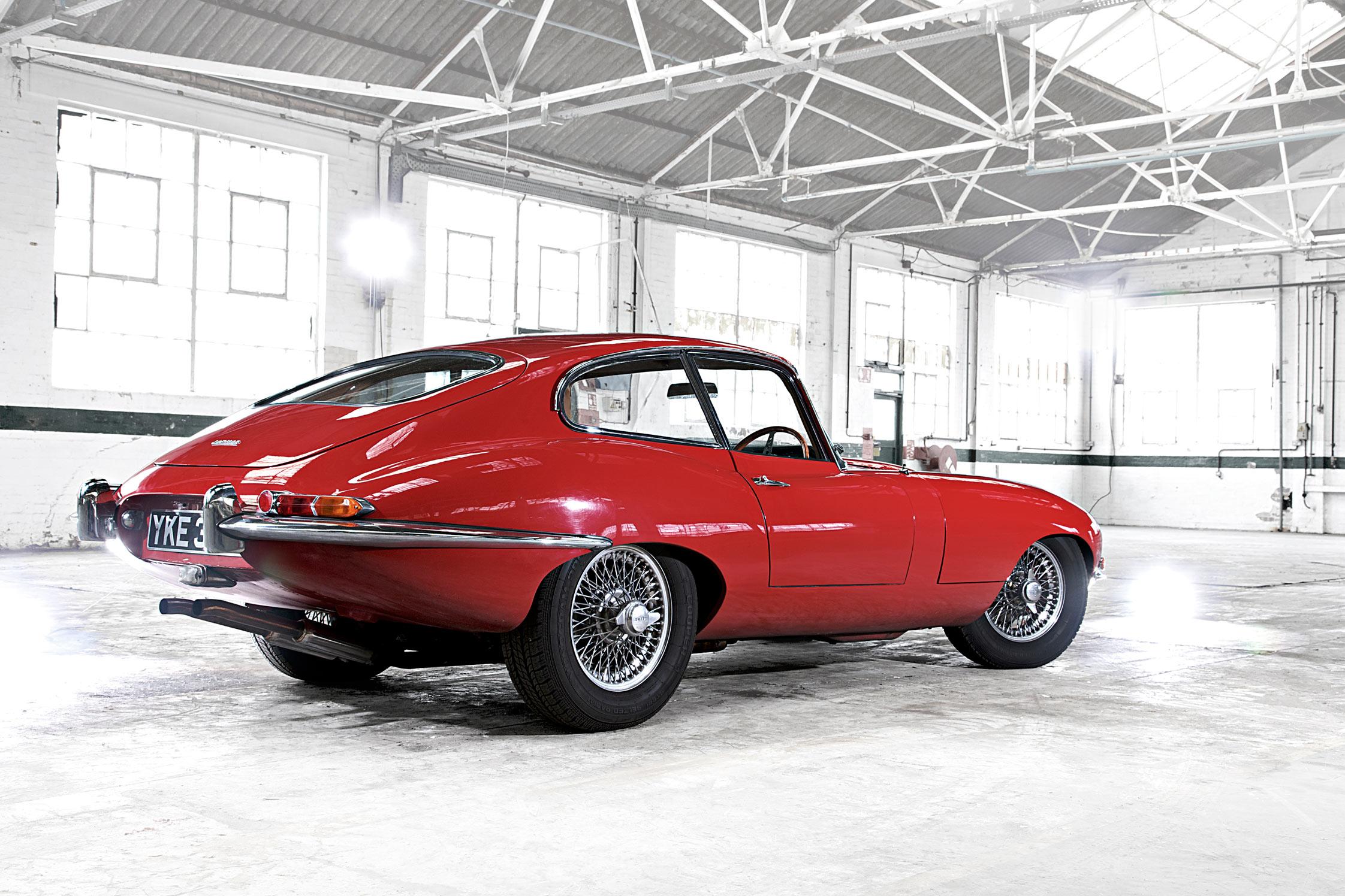 jaguar type e - les 50 ans de la jaguar type e - diaporama photo