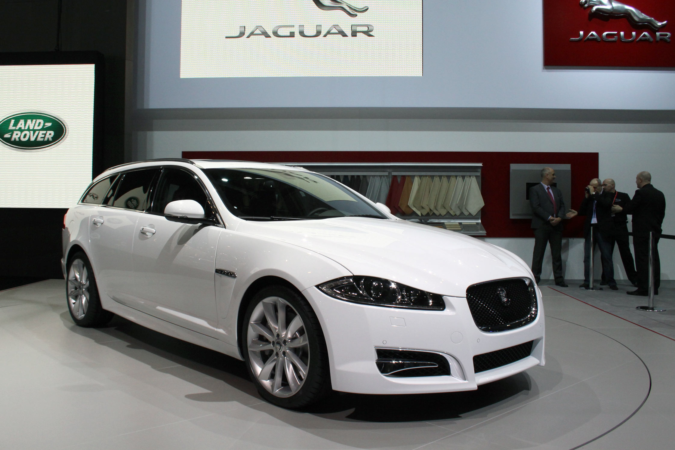 photo jaguar xf sportbrake break 2012 m diatheque. Black Bedroom Furniture Sets. Home Design Ideas