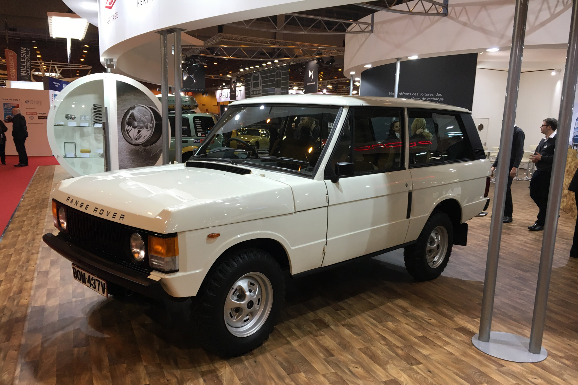 Photo land rover range rover i classic v8 134 ch for Classic 3