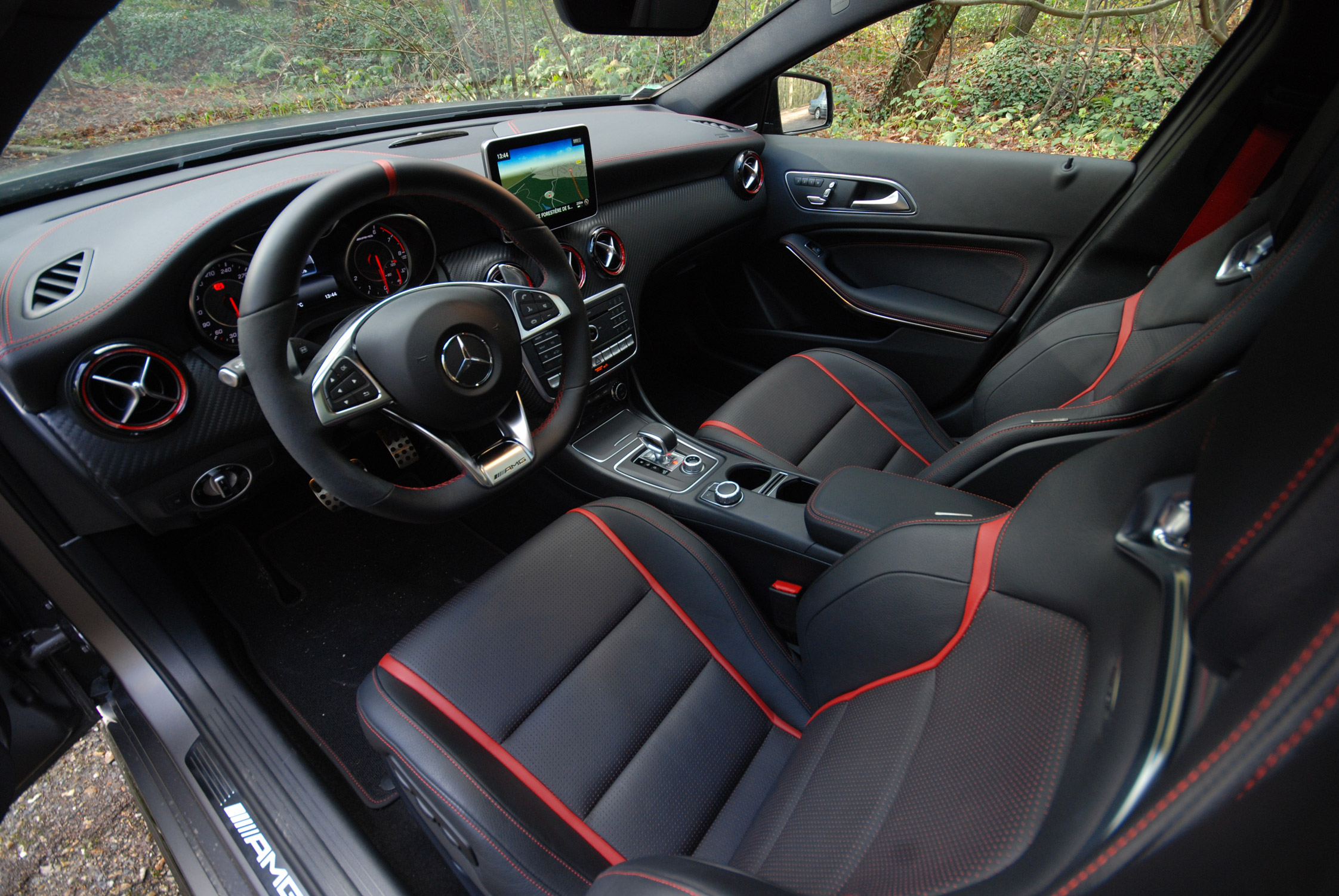 photo mercedes classe a w176 45 amg 381 ch berline 2015 m diatheque. Black Bedroom Furniture Sets. Home Design Ideas