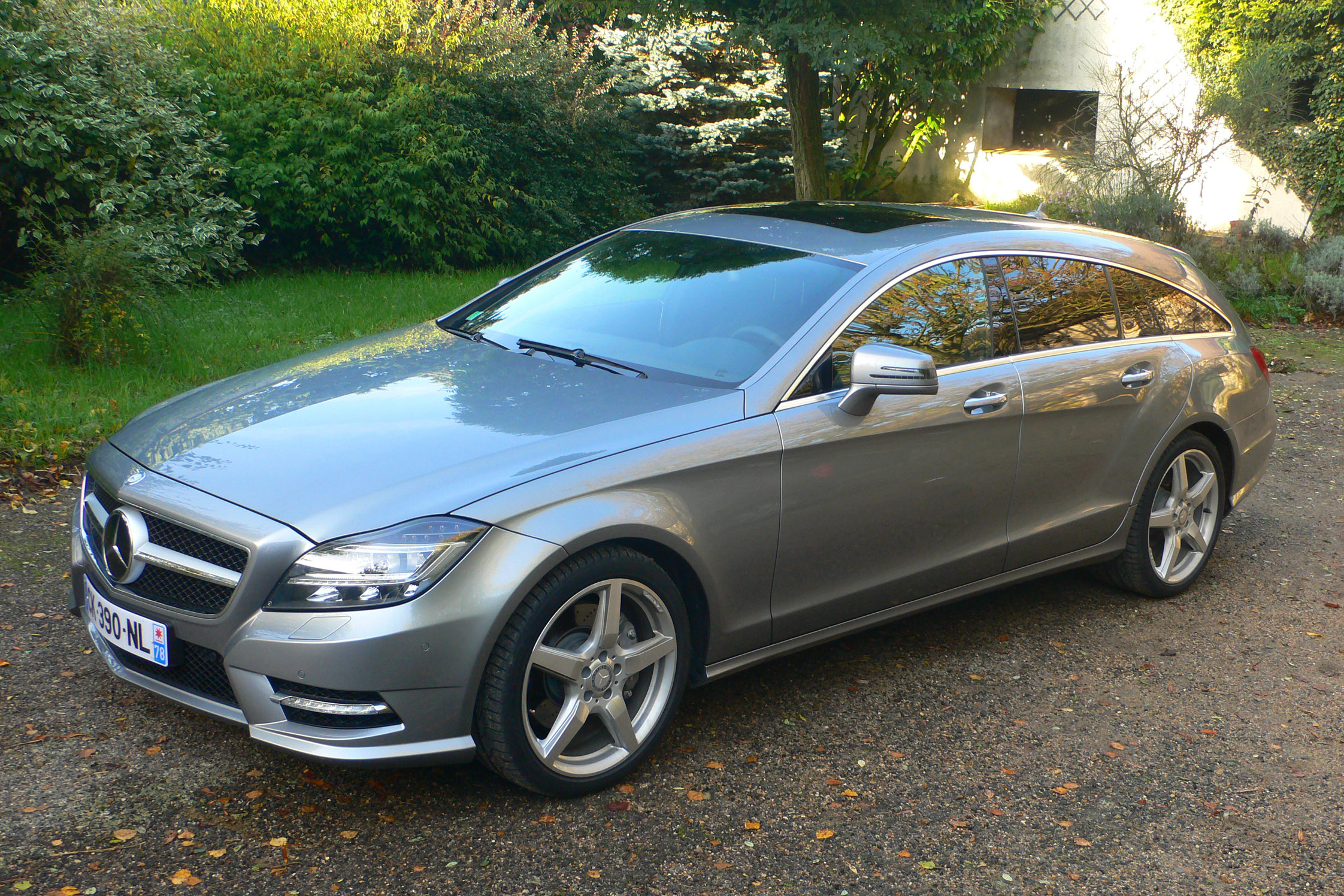 photo mercedes classe cls shooting brake x218 350 cdi blueefficiency break 2012 m diatheque. Black Bedroom Furniture Sets. Home Design Ideas