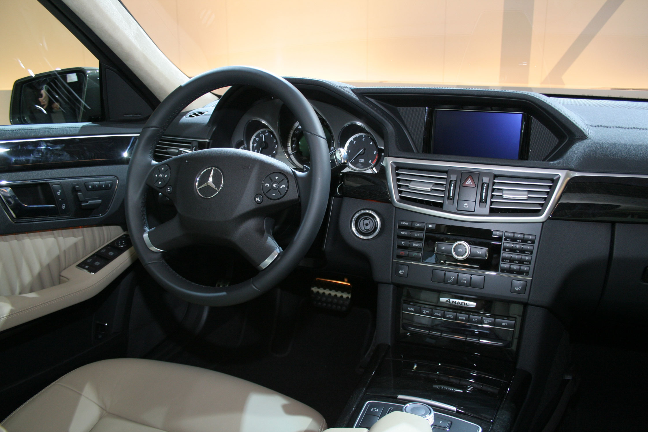 photo mercedes classe e break s212 350 cdi blueefficiency salon de francfort 2009. Black Bedroom Furniture Sets. Home Design Ideas