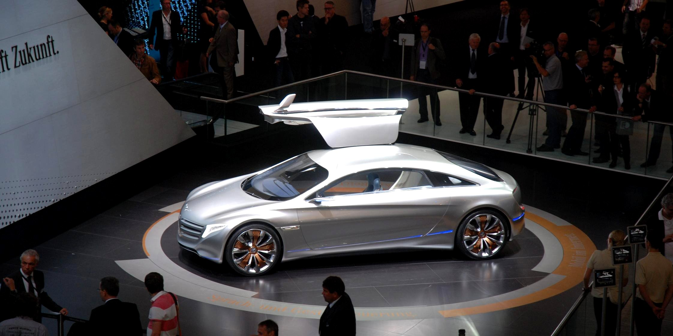Photo mercedes f125 concept salon de francfort 2011 m diatheque - Concept salon de the ...