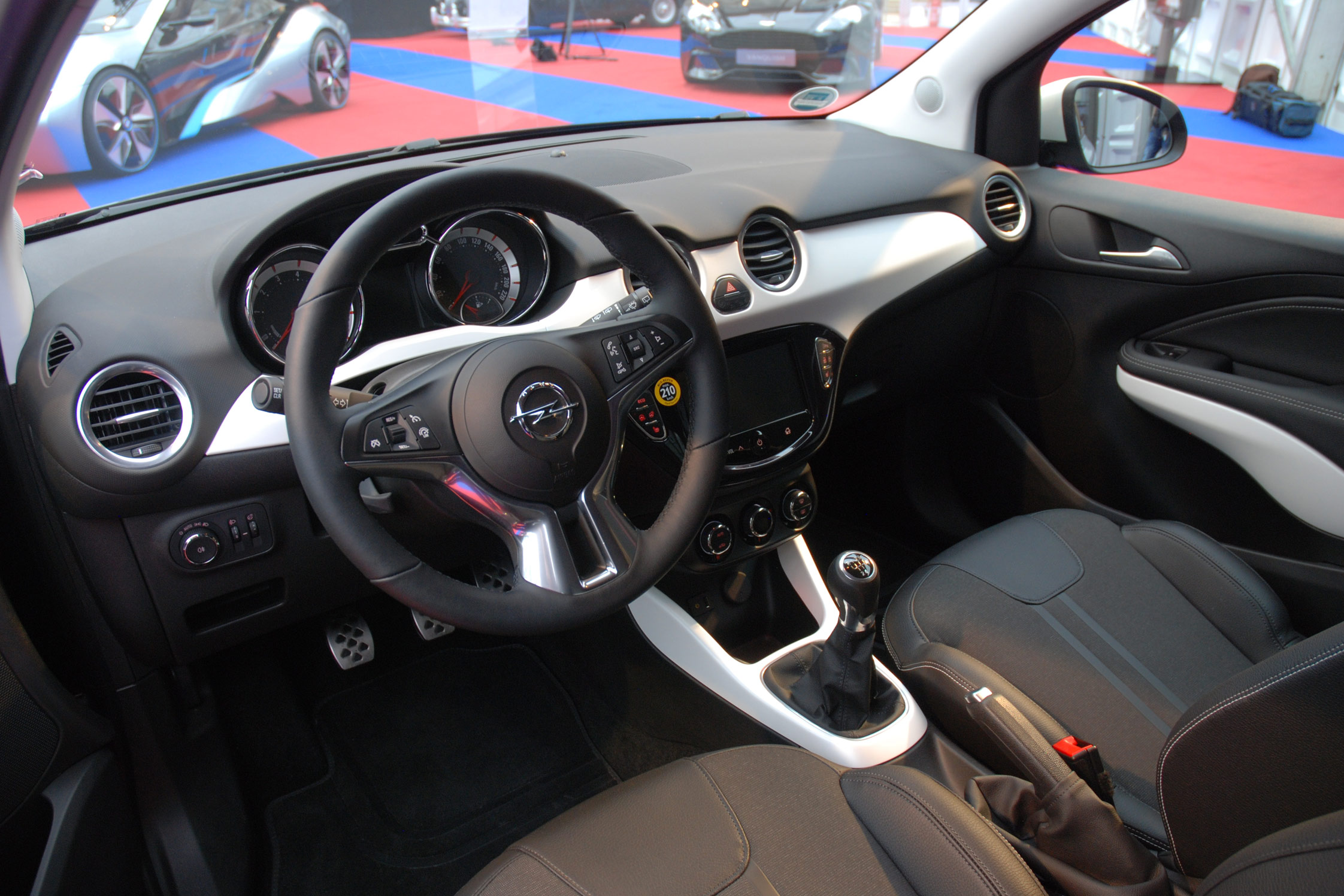 Grand prix du plus bel int rieur opel adam 28 me for Opel adam s interieur