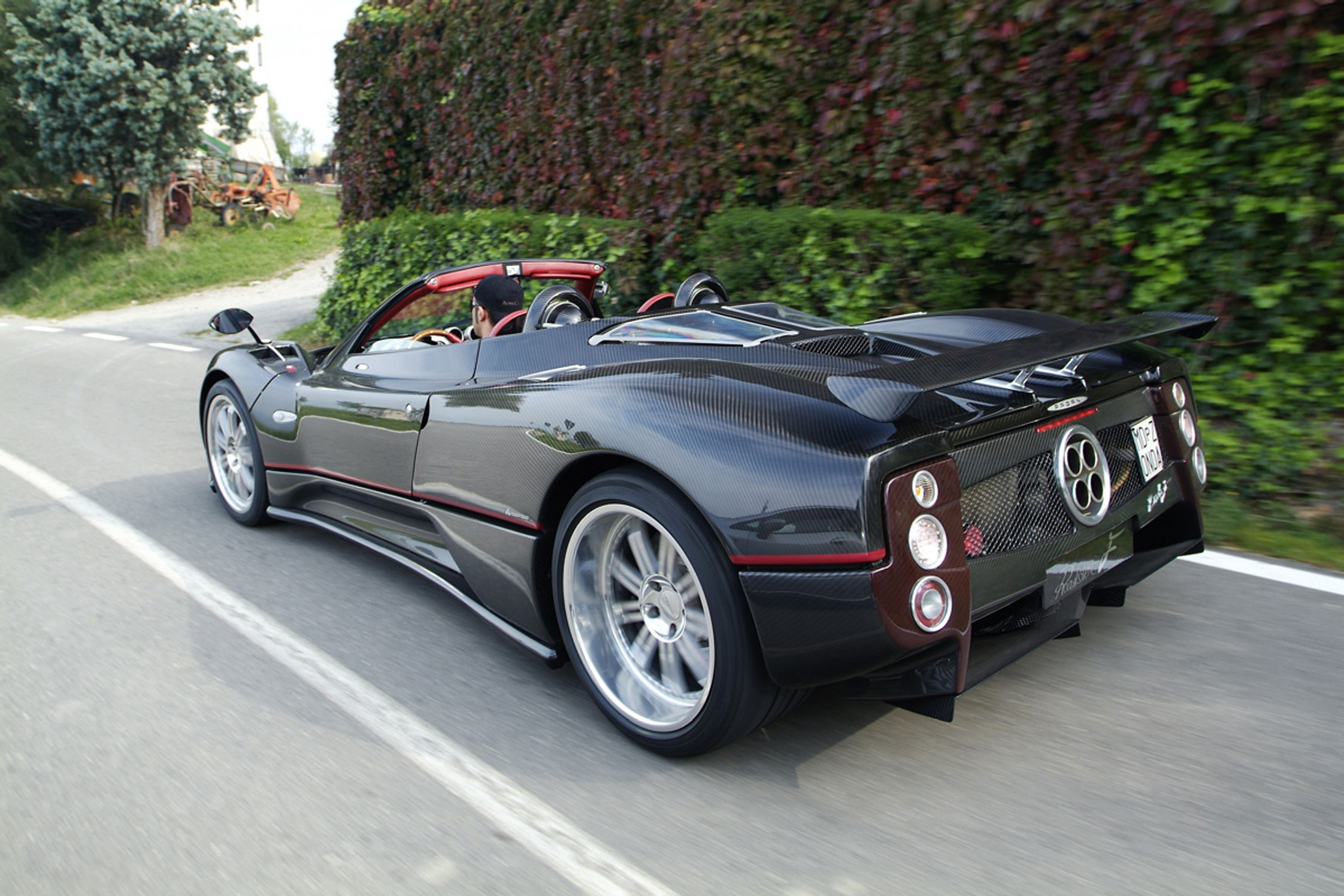 pagani zonda roadster f 650 ch les voitures de s rie les plus puissantes diaporama photo. Black Bedroom Furniture Sets. Home Design Ideas