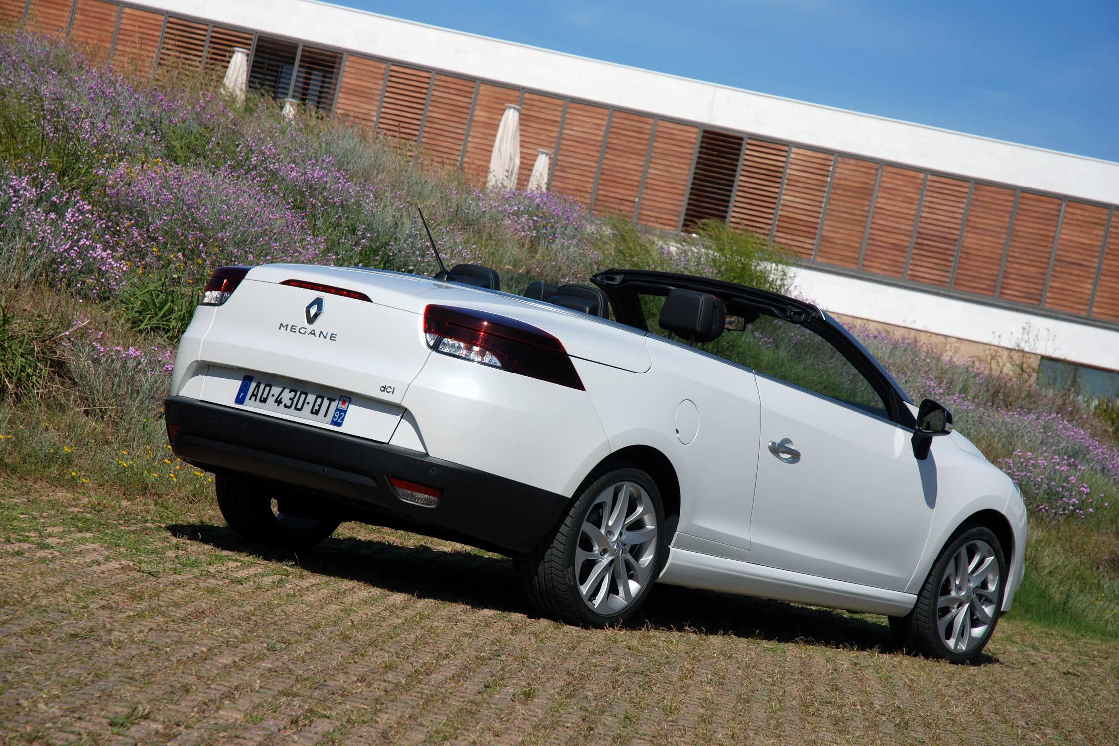 photo renault megane cc iii dci 160 fap coup cabriolet 2010 m diatheque. Black Bedroom Furniture Sets. Home Design Ideas