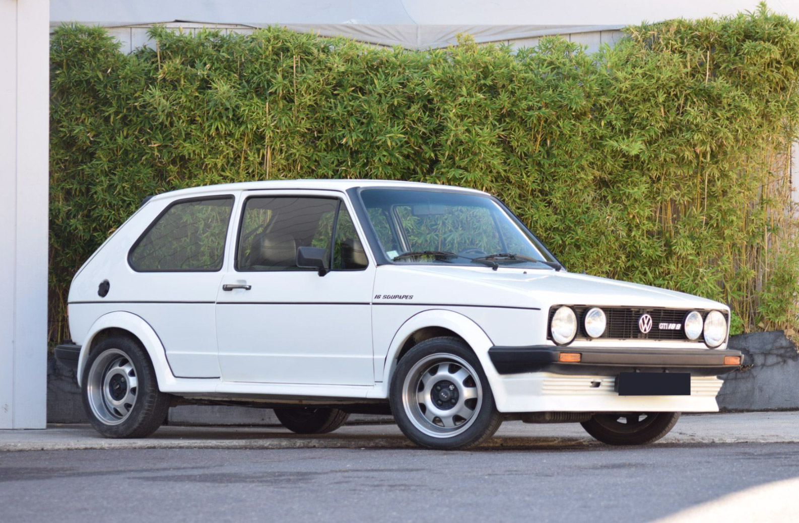photo volkswagen golf i gti 16s oettinger coup 1981 m diatheque. Black Bedroom Furniture Sets. Home Design Ideas