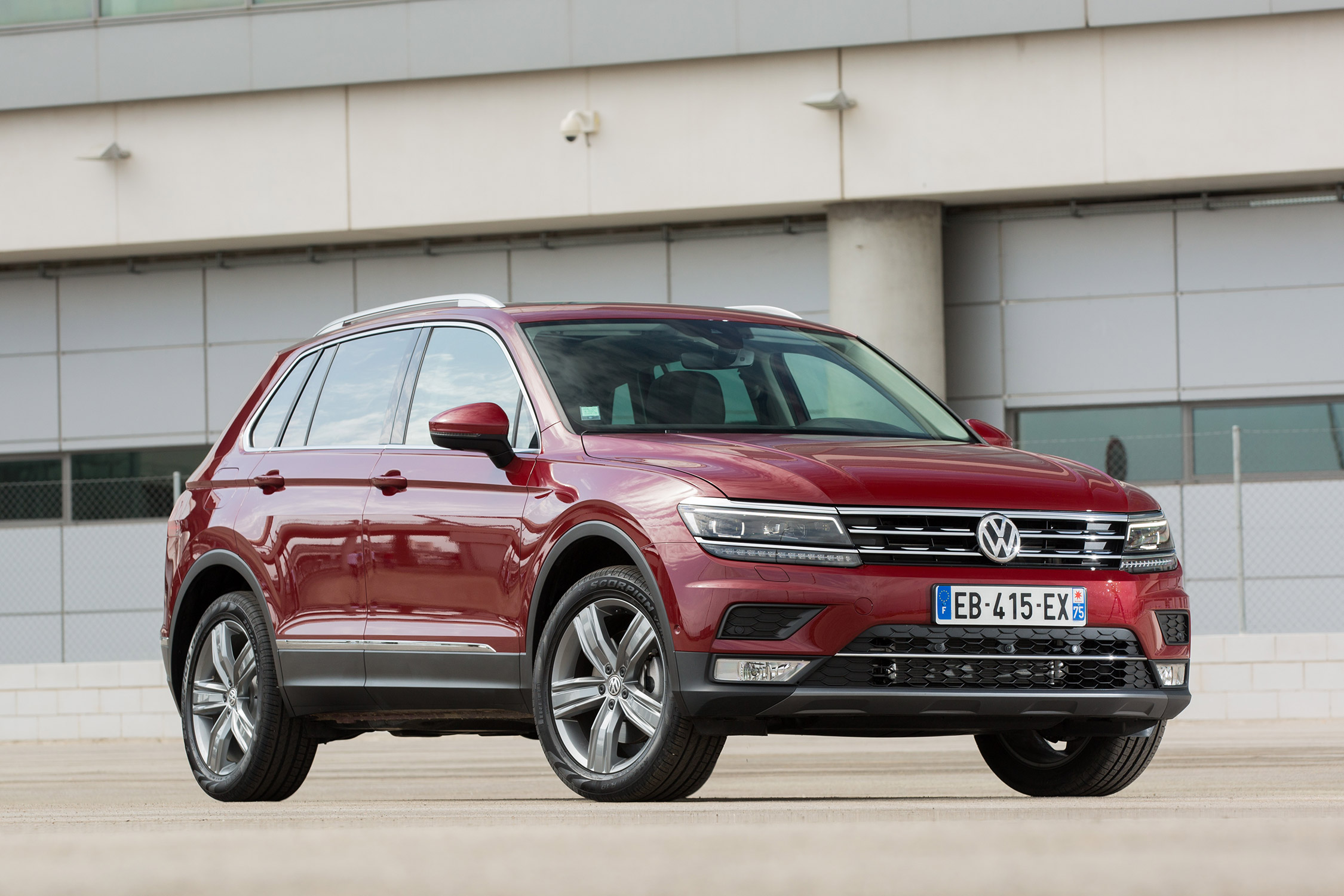 photo volkswagen tiguan ii 2 0 tdi 4motion 190 ch suv 2016 m diatheque. Black Bedroom Furniture Sets. Home Design Ideas