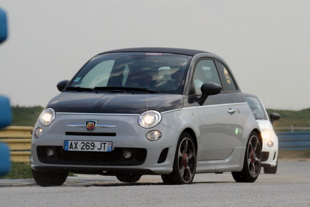 fiat abarth 500 esseesse for sale with Fiat 500 Esseesse Turbo Specs on 17064000 Fiat 500 Abarth 695 Esseesse Anni 70 in addition Abarth 500 MTA Esseesse Fussmatten Velour Originalzubehoer MOPAR besides Abarth 500 Esseesse V Mini Cooper S additionally Dimensions Fiat Qubo 6ac59ea5f3a408f3 additionally 5.