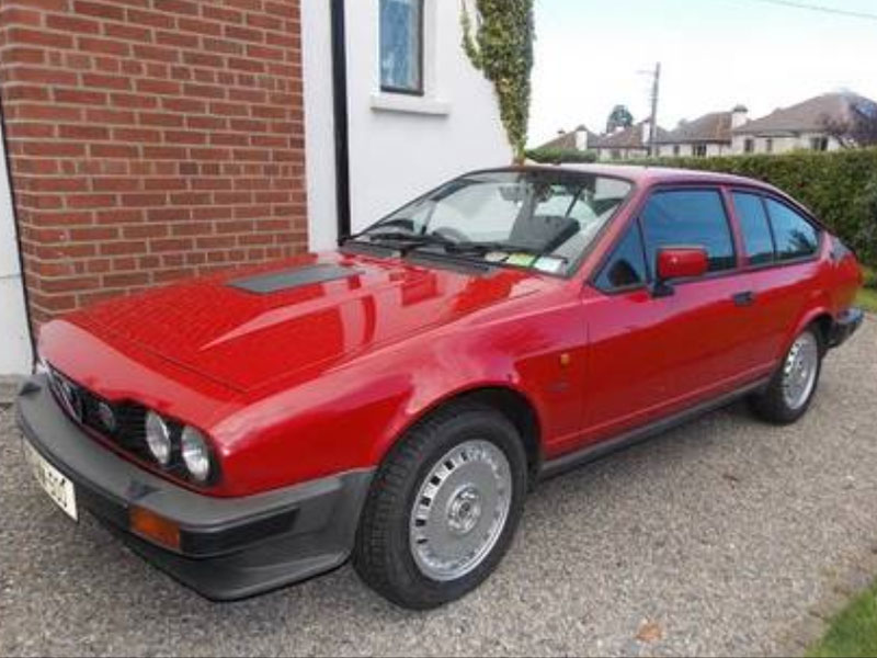 photo alfa romeo alfetta gtv 2 5 v6 coup 1982 m diatheque. Black Bedroom Furniture Sets. Home Design Ideas