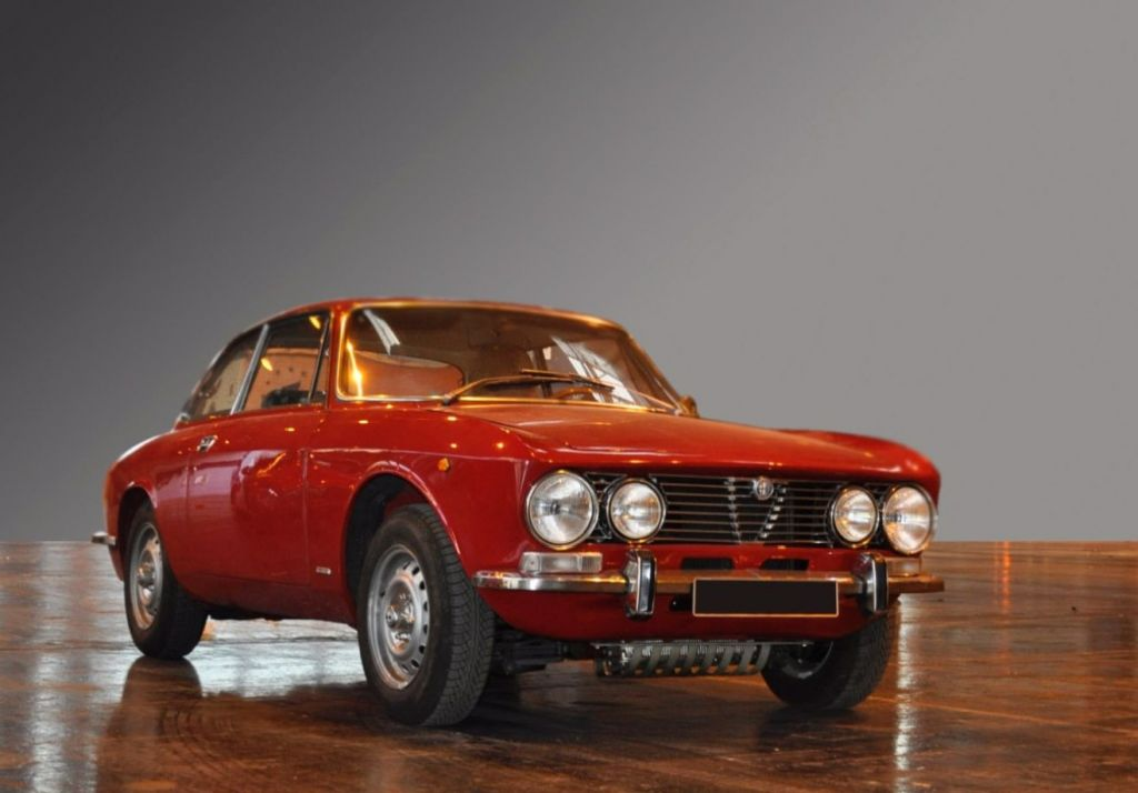 photo alfa romeo coupe bertone 2000 gtv coup 1973 m diatheque. Black Bedroom Furniture Sets. Home Design Ideas