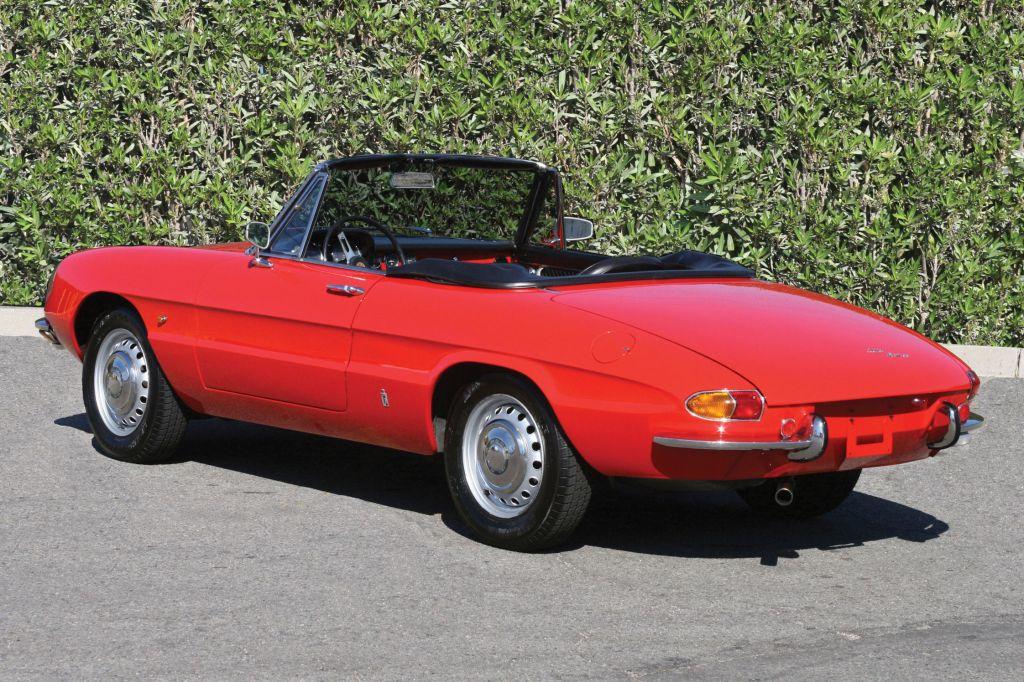 Photo Alfa Romeo Spider 1300 Junior Duetto Cabriolet 1967