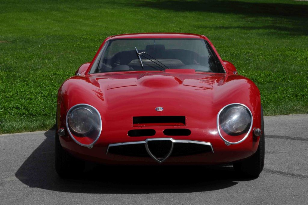 http://photo-voiture.motorlegend.com/high/alfa-romeo-tz-2-62033.jpg