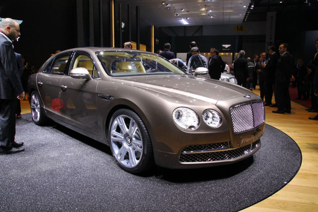 BENTLEY FLYING SPUR (I) W12 berline 2013