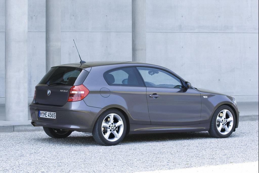Photo BMW SERIE 1 E81 3 Portes 120d 177ch Coup 2007