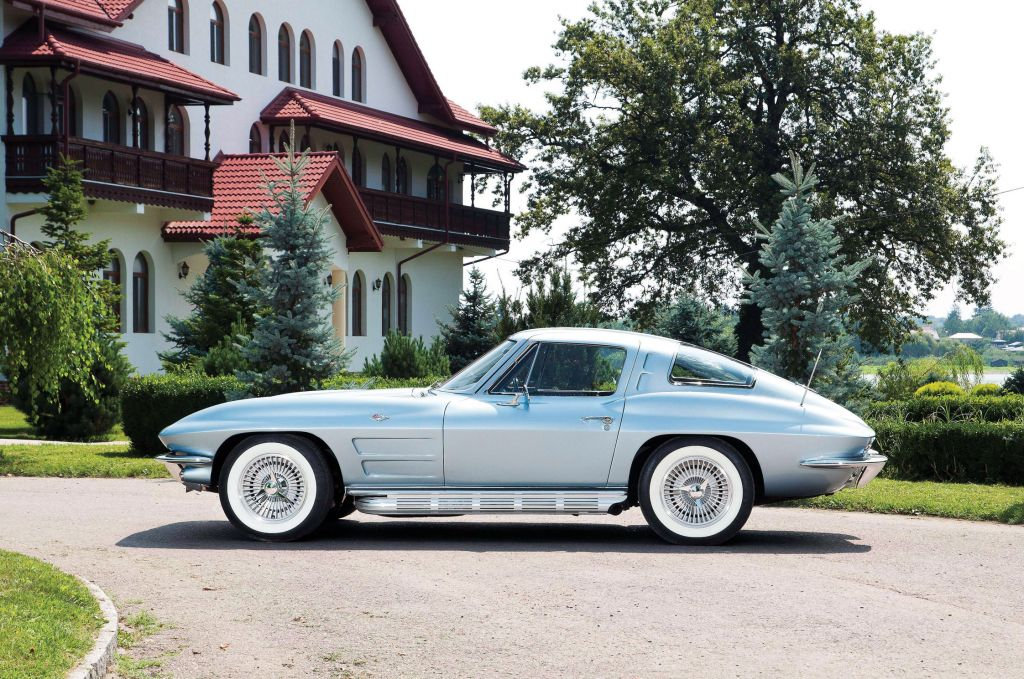 CHEVROLET CORVETTE (C2)  coupé 1963