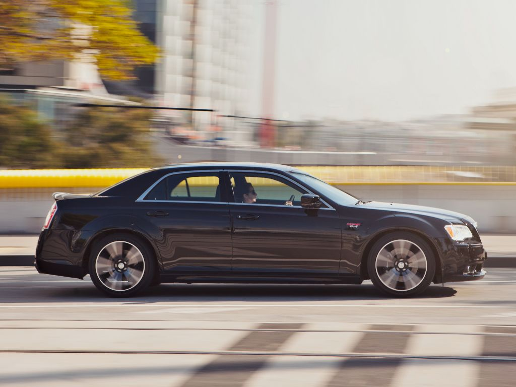 CHRYSLER 300C SRT-8 6.1 V8 Hemi berline 2013