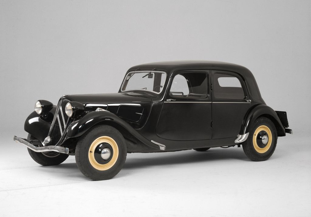 photo citroen traction 11 berline 1937 m diatheque. Black Bedroom Furniture Sets. Home Design Ideas
