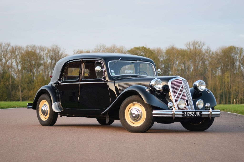 CITROEN TRACTION 15 Six D berline 1952