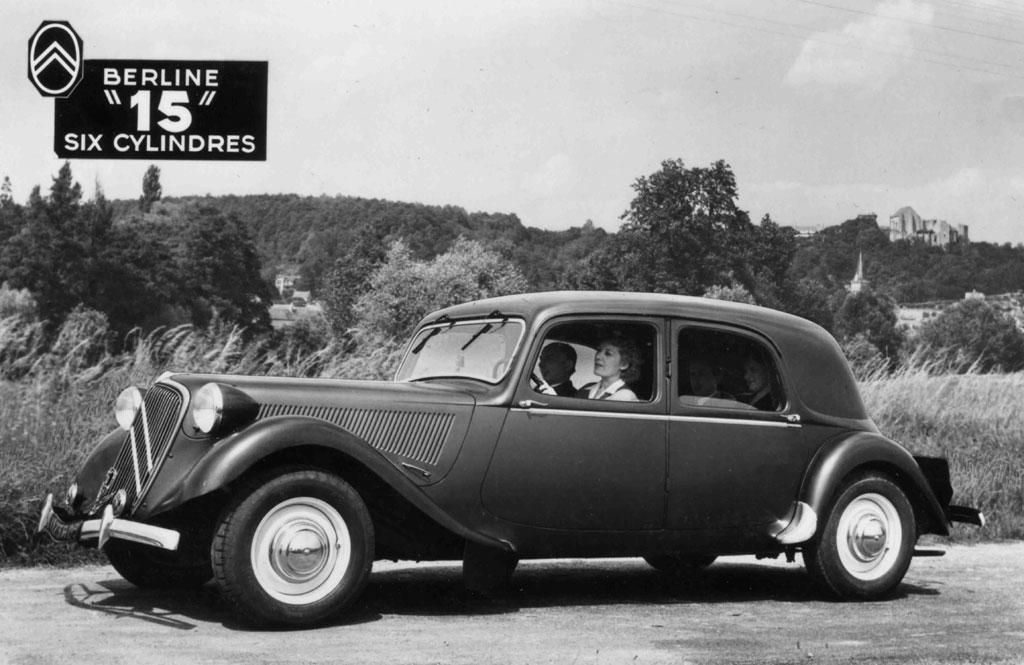 photo citroen traction 15 six g berline 1947 m diatheque. Black Bedroom Furniture Sets. Home Design Ideas