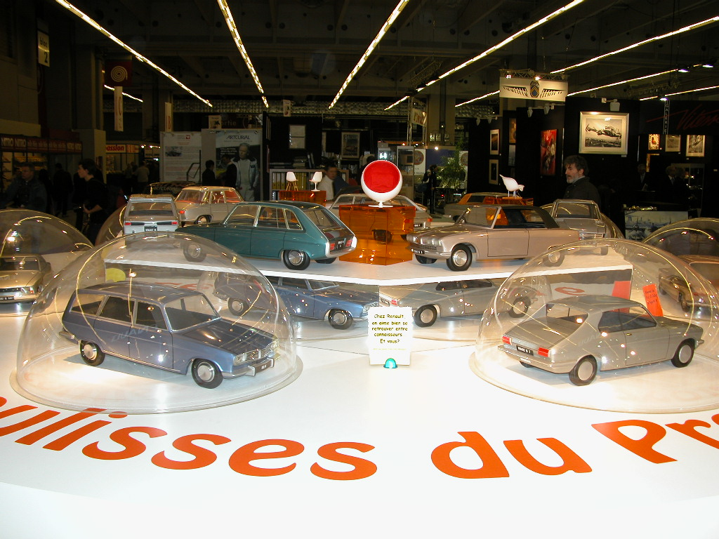 DIVERS RETROMOBILE 2005