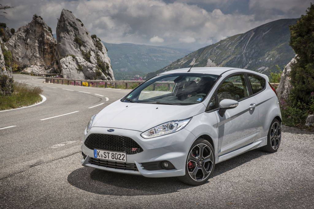 FORD FIESTA (VI) ST200 berline 2016