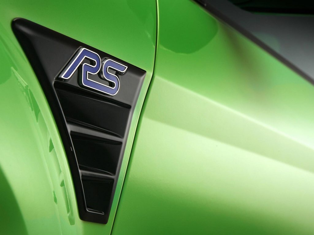 FORD FOCUS (II) RS 2.5 T 305ch berline 2009