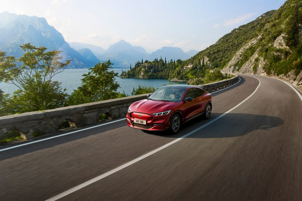 FORD MUSTANG MACH-E AWD 351 ch SUV 2021