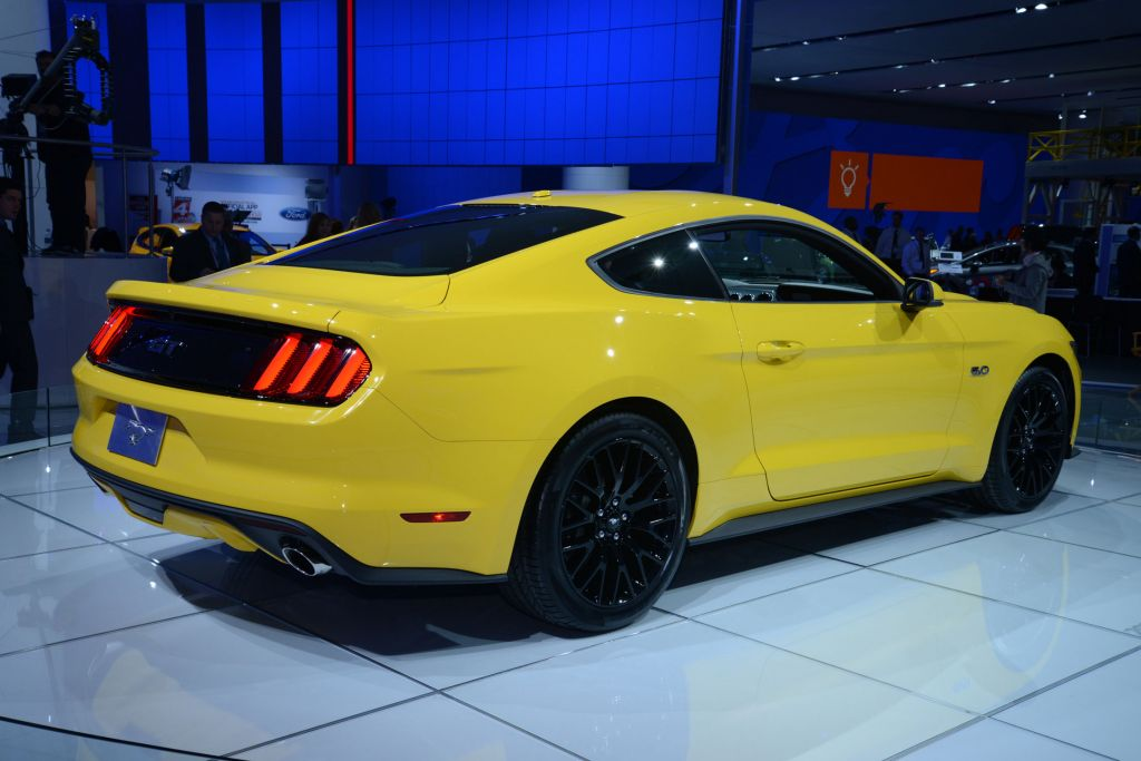 FORD MUSTANG VI (2015 - ...) GT 421 ch coupé 2014