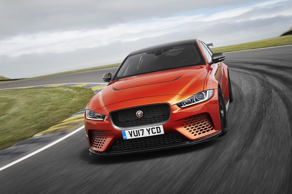 JAGUAR XE SV Project 8 berline 2017