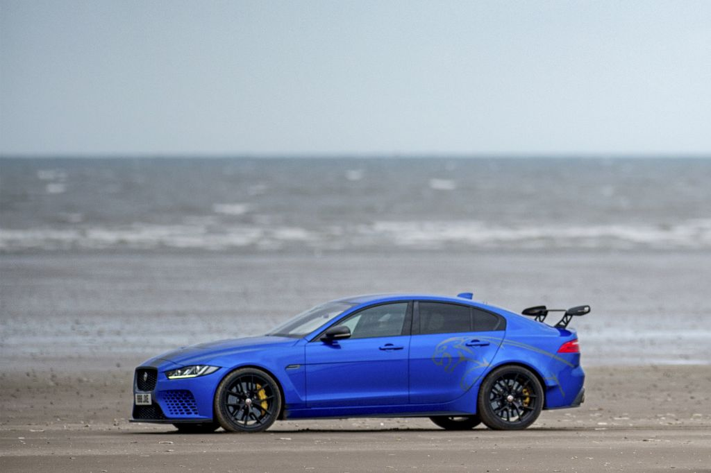 JAGUAR XE SV Project 8 berline 2018