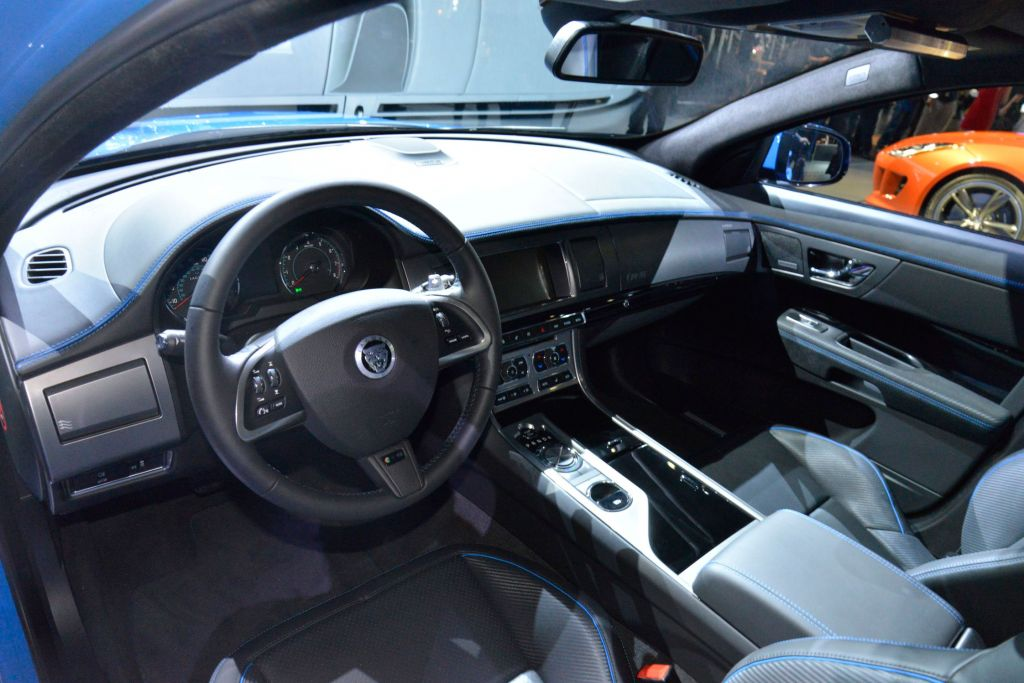 JAGUAR XFR S berline 2012