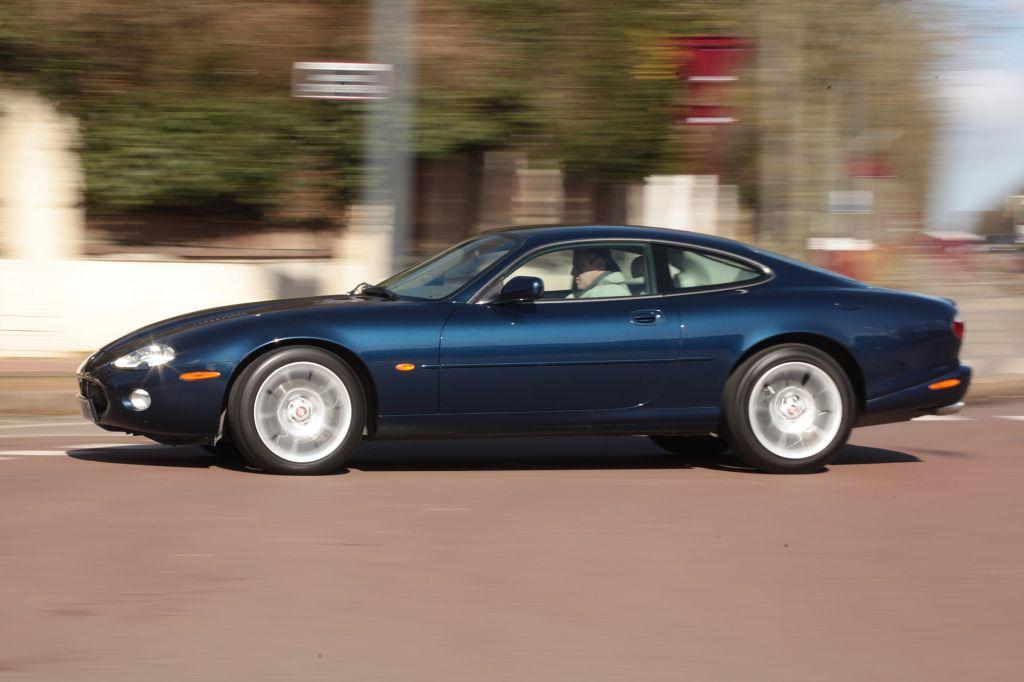 photo JAGUAR XKR (X100) S 4.2 395ch coupé 2004 - Motorlegend.com