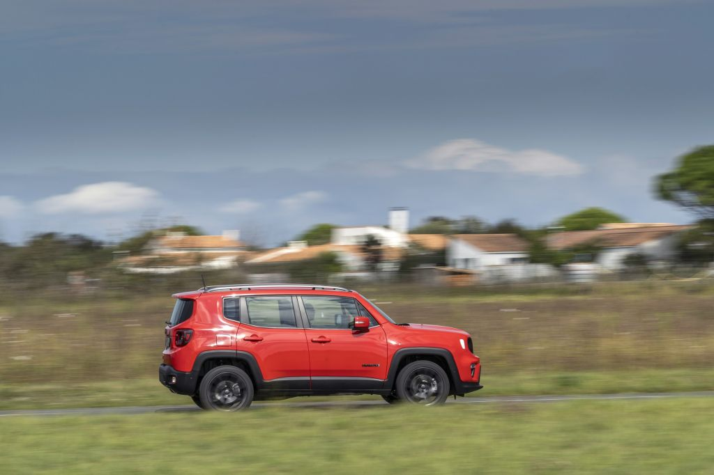 JEEP RENEGADE 4xe hybride 240 ch SUV 2020