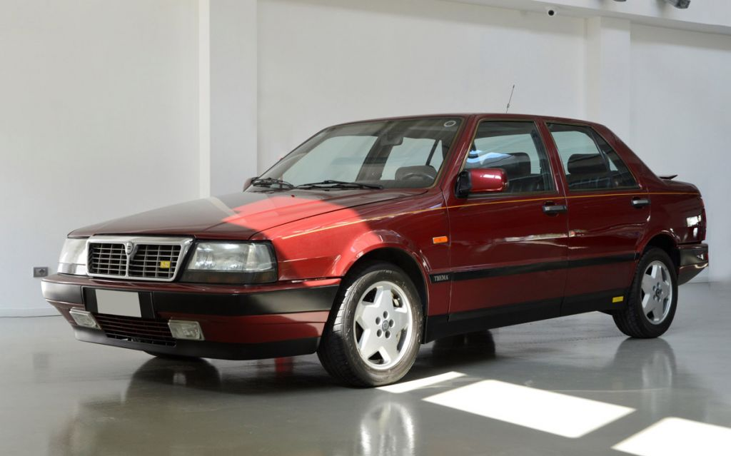 photo lancia thema  i  v8 8 32 ferrari 205 cv berline 1988