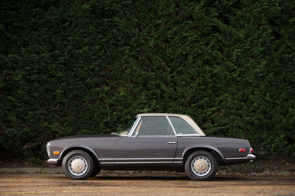 MERCEDES 280 (W113) SL Pagode cabriolet 1969
