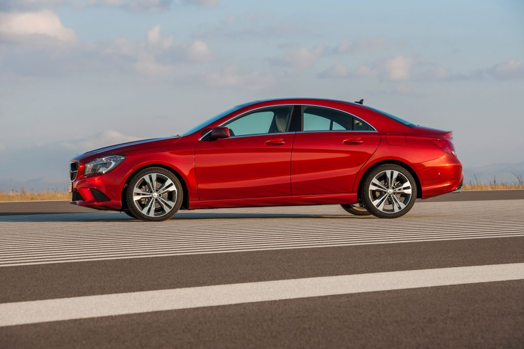 MERCEDES CLASSE CLA (Coupé C117) 250 berline 2013