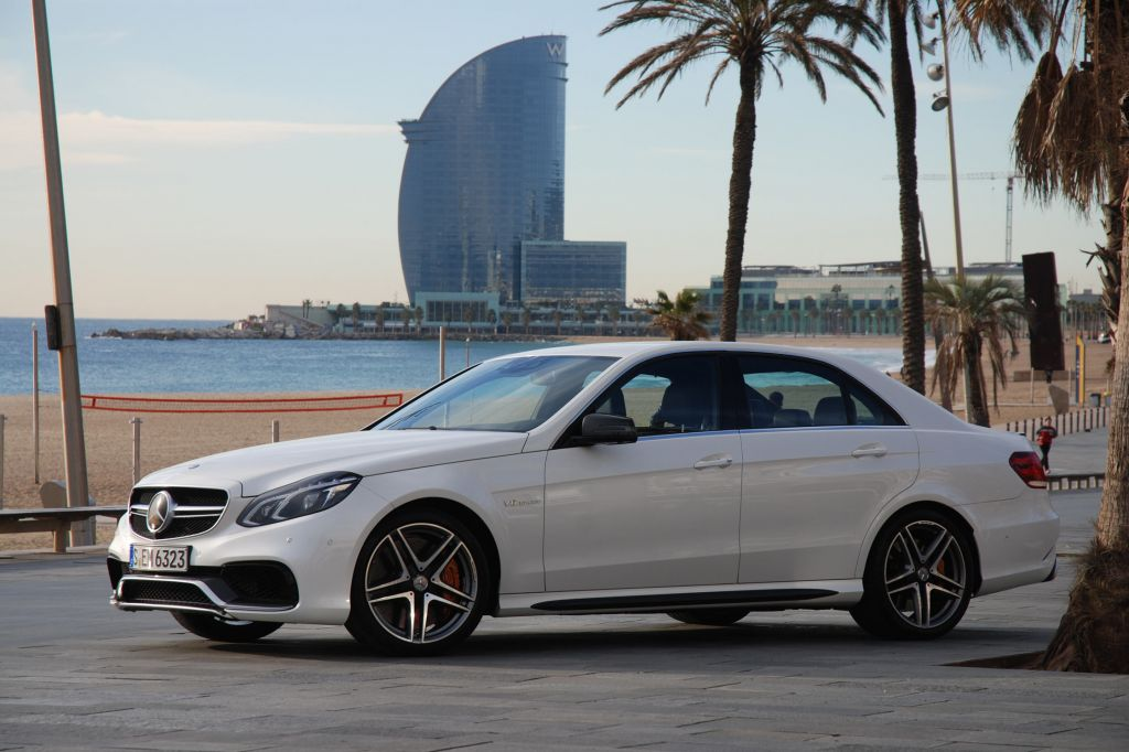 photo mercedes classe e berline w212 63 amg s 4 matic berline 2013 m diatheque. Black Bedroom Furniture Sets. Home Design Ideas