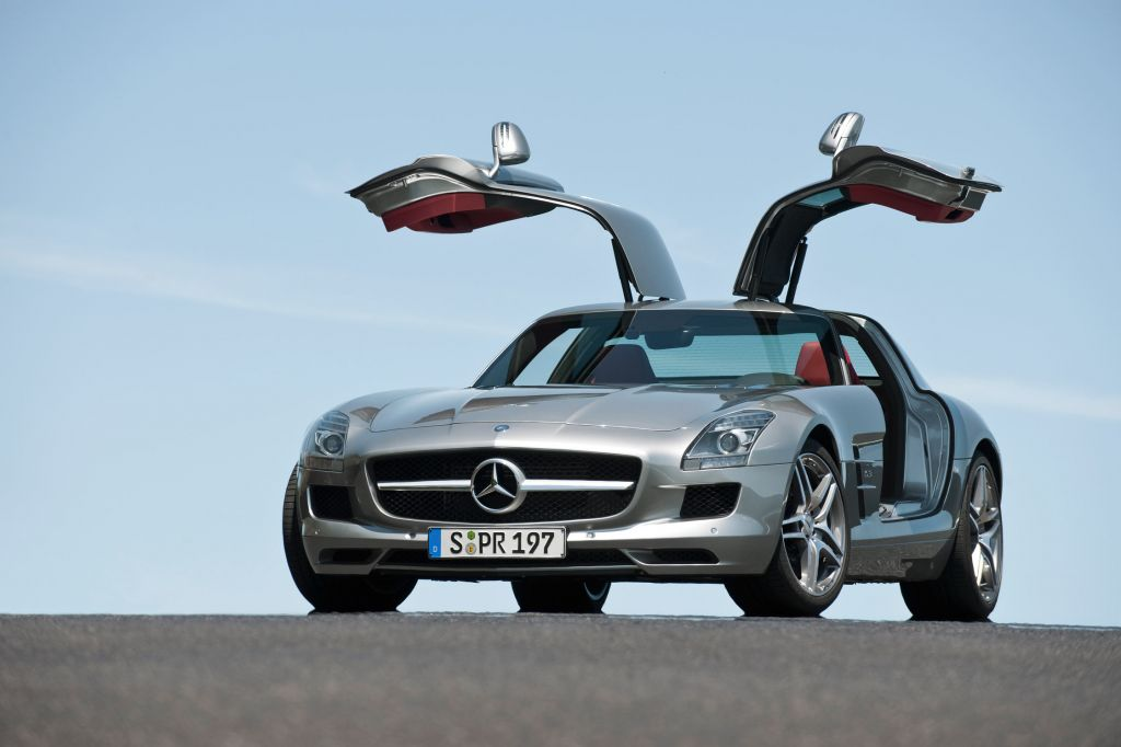 mercedes sls amg les voitures de s rie les plus design du moment diaporama photo. Black Bedroom Furniture Sets. Home Design Ideas