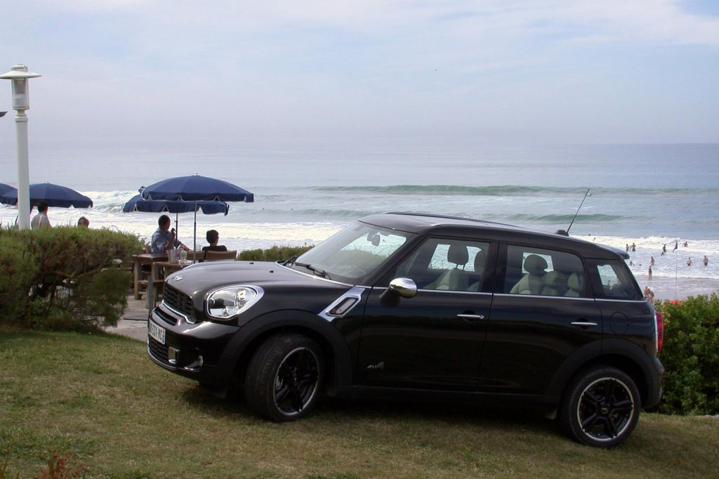 MINI COUNTRYMAN (R60) Cooper S SUV 2010