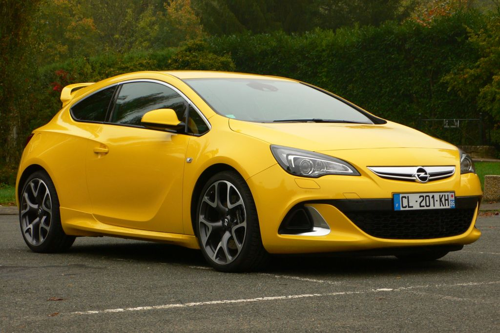 photo opel astra j gtc 2 0t 280 ch opc coup 2012. Black Bedroom Furniture Sets. Home Design Ideas