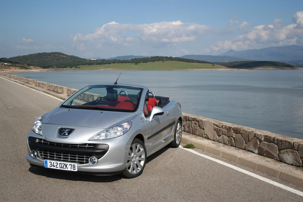 photo peugeot 207 cc 1 6 thp 150 ch coup cabriolet 2007 m diatheque. Black Bedroom Furniture Sets. Home Design Ideas