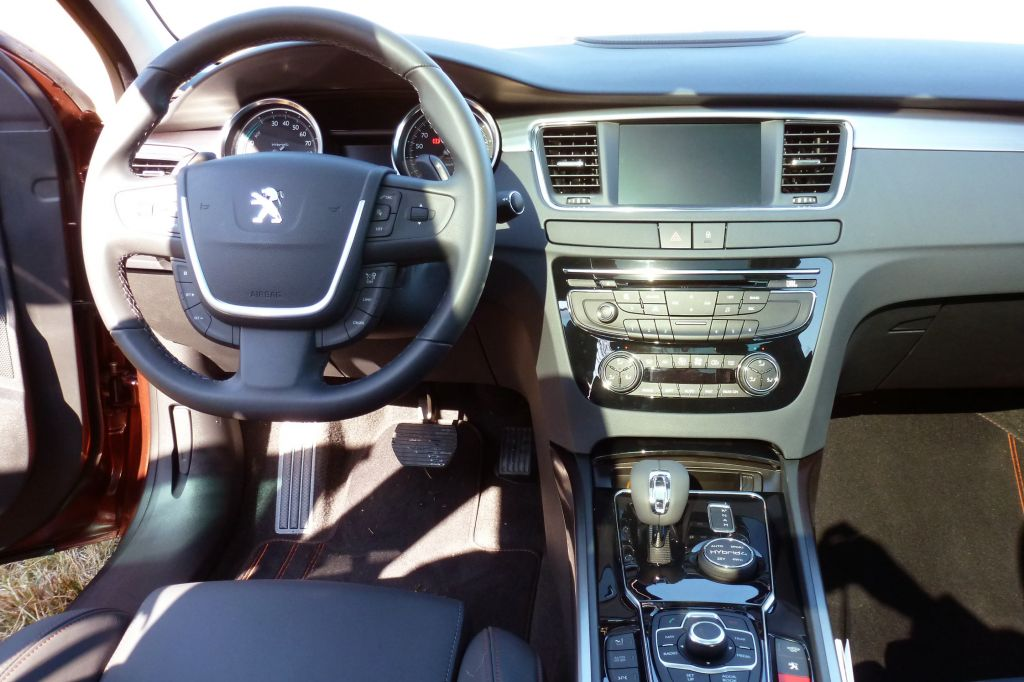 Photo peugeot 508 rxh break 2012 m diatheque for Interieur 508 rxh