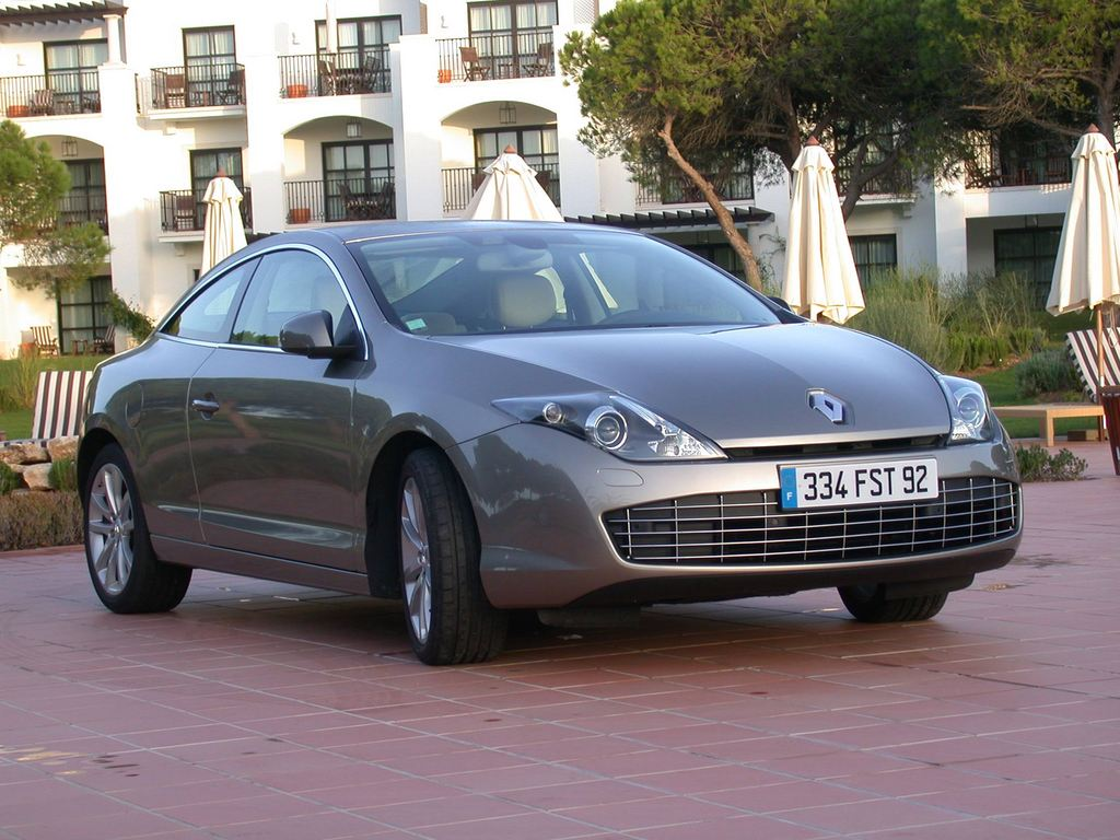 photo renault laguna iii coup 3 0 v6 dci 235 fap coup 2008 m diatheque. Black Bedroom Furniture Sets. Home Design Ideas