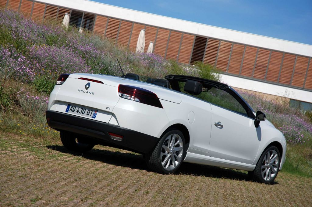photo renault megane cc iii dci 160 fap coup cabriolet 2010 m diatheque. Black Bedroom Furniture Sets. Home Design Ideas