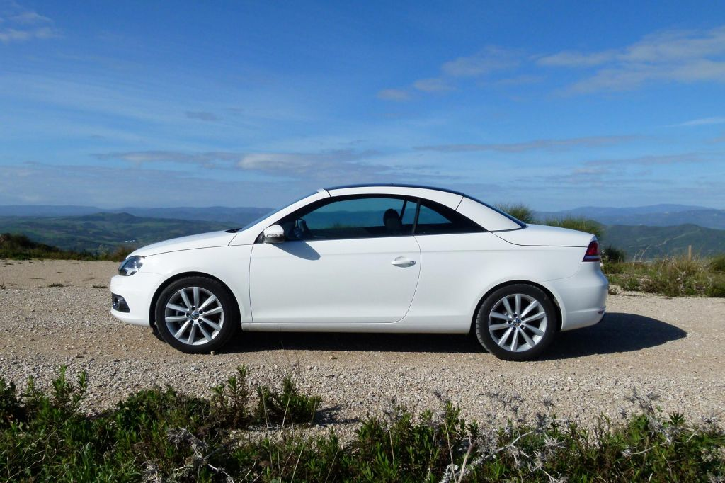 photo volkswagen eos 2 0 tdi 140 coup cabriolet 2011 m diatheque. Black Bedroom Furniture Sets. Home Design Ideas