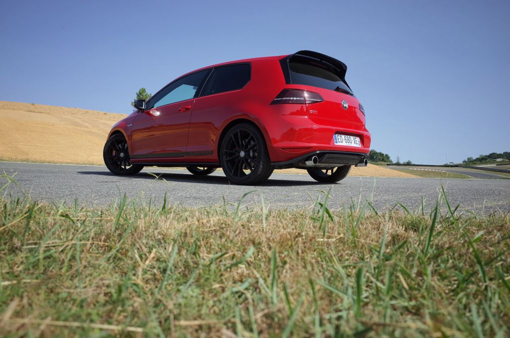 VOLKSWAGEN GOLF (VII) GTI Clubsport berline 2016